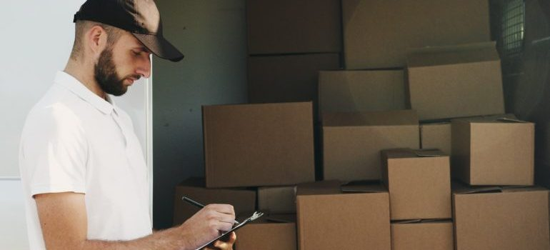 a professional mover, representing local movers in manhattan ny