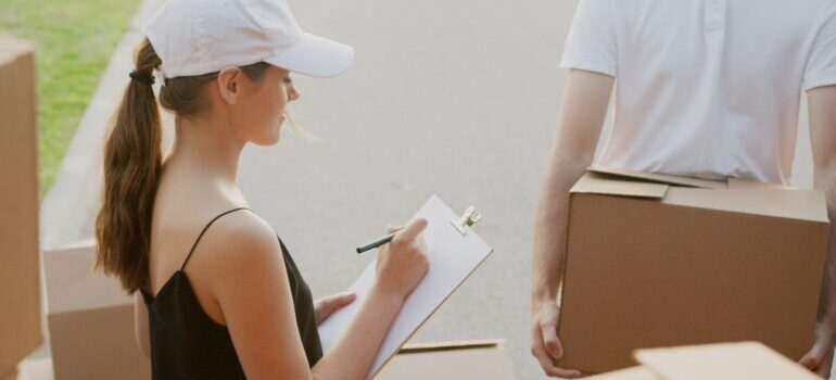 Hiring Schuylerville NY movers