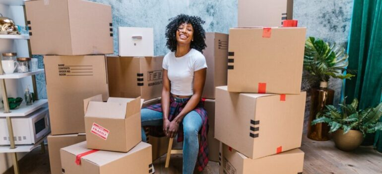 woman waiting for Mapleton movers